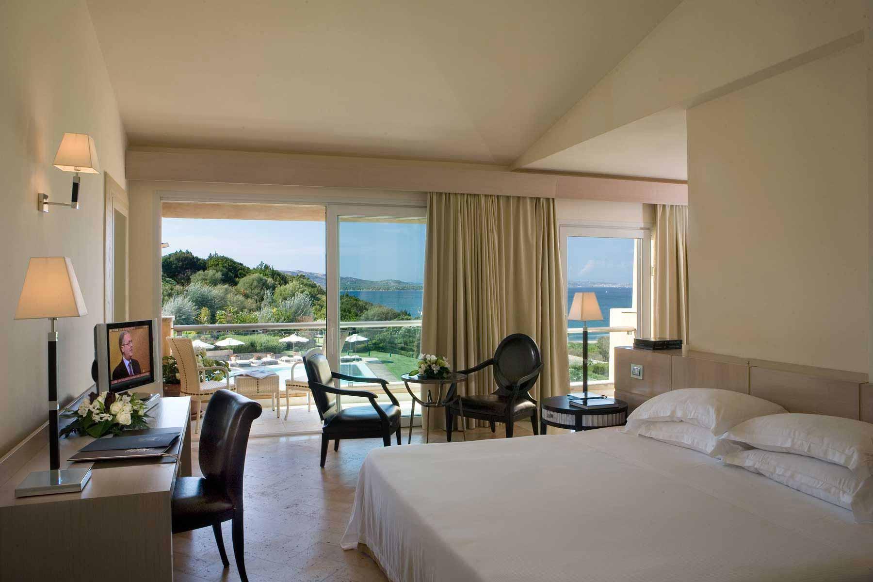 Junior suite at L'Ea Bianca Luxury Resort