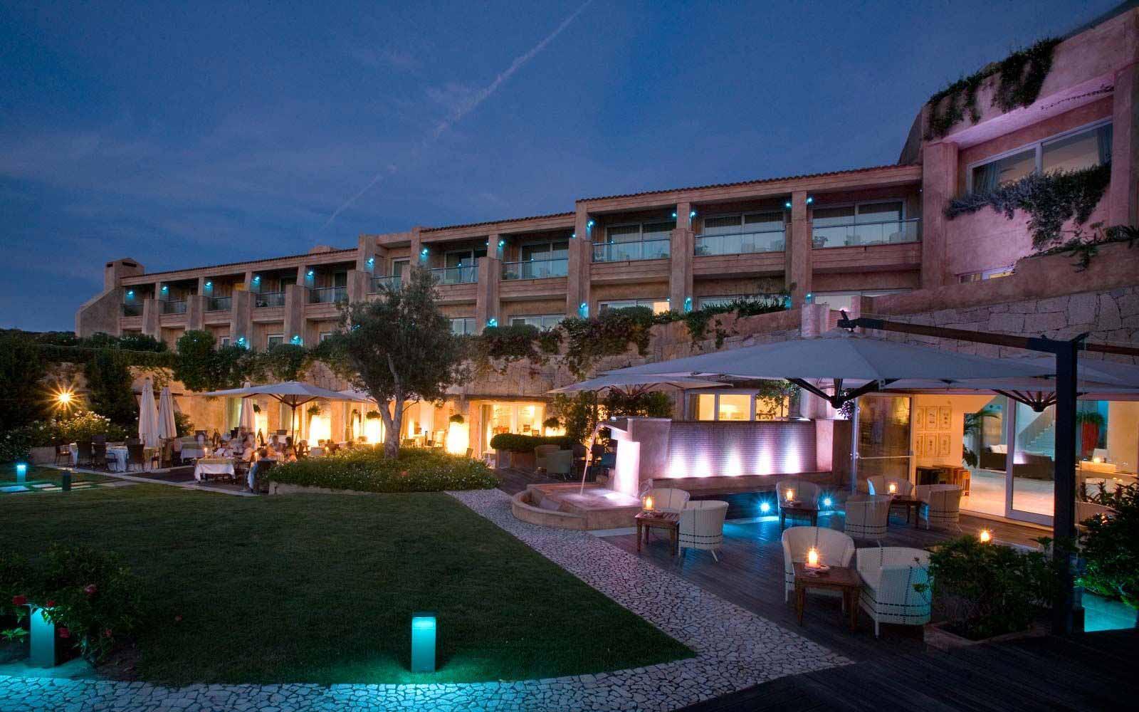 L'Ea Bianca Luxury Resort by night