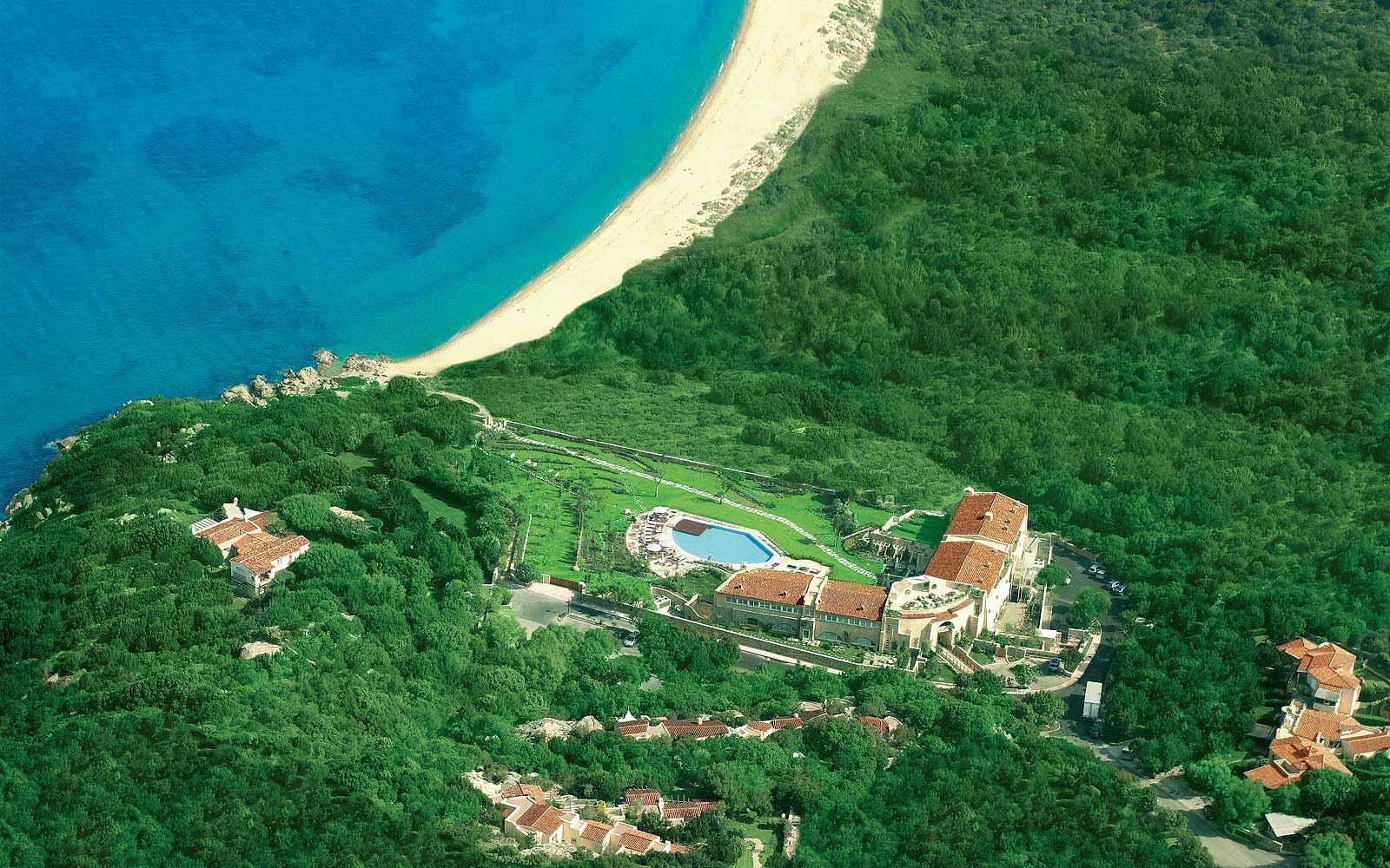 Panoramic view of the L'Ea Bianca Luxury Resort